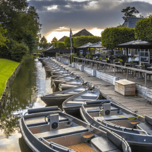 you can rent a boat in giethoorn